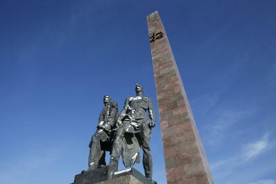 Bronze Figures of Soldiers Who Defended Leningrad, Victory Square War Mem, St. Petersburg, Russia