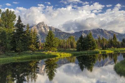 Teton Mountains in Schwabacher Landing, Snake River, Grand Teton National Park, Wyoming, USA