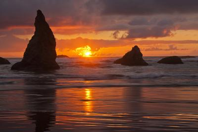 Sunset Silhouettes Seastacks, Bandon Beach, Oregon, USA