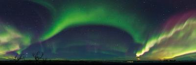 Strong Aurora Activity, and Venus and Jupiter Over Lapland
