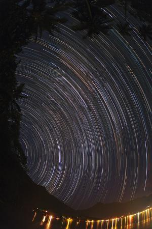 Time Lapse, Fisheye View of Earth's Rotation Revealed in Star Trails