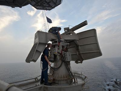 Technicians Performs Maintenance On the SPN-43 Radar Aboard USS John C. Stennis