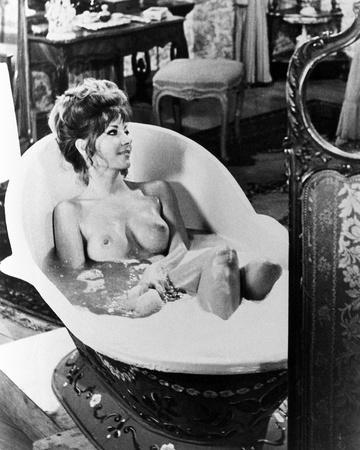 Ingrid Pitt - Countess Dracula