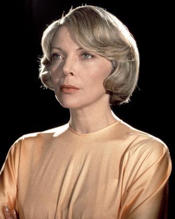 Barbara Bain - Space: 1999
