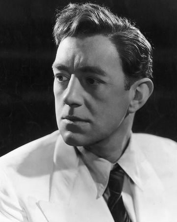 Alec Guinness - The Man in the White Suit