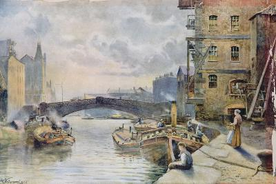 Leeds Bridge from Aire and Calder Navigation Wharf, 1911