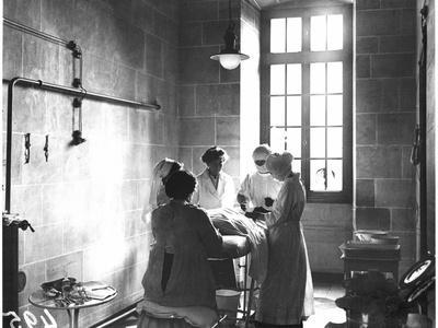 Operating Theatre of the Scottish Women's Hospital in the Abbey of Royaumont, 1915