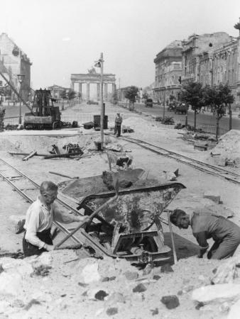 """Truemmermaenner (""""Rubble Men"""") at Unter Den Linden, Berlin, June 1946"""