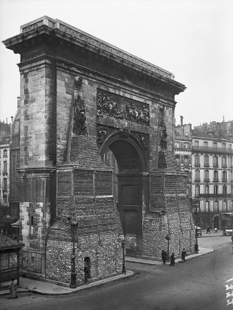Porte St. Denis Protected by Sand Bags, Paris, 1918