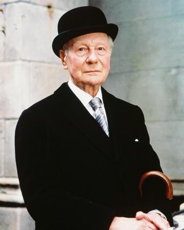John Gielgud, Arthur (1981)