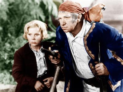 TREASURE ISLAND, from left: Jackie Cooper, Wallace Beery, 1934,