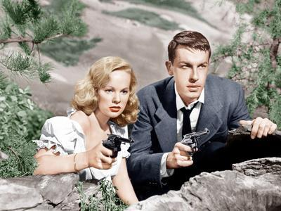 GUN CRAZY, (aka DEADLY IS THE FEMALE), from left: Peggy Cummins, John Dall, 1950