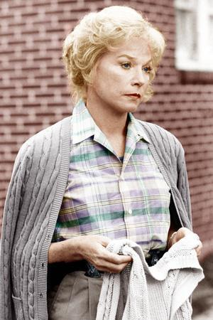 TERMS OF ENDEARMENT, Shirley MacLaine, 1983. ©Paramount/courtesy Everett Collection