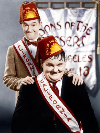 SONS OF THE DESERT, from left: Stan Laurel, Oliver Hardy, (aka Laurel & Hardy), 1933