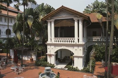 Raffles Hotel, Courtyard