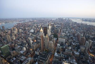 View over New York from the Empire State Building (350 Fifth Avenue)