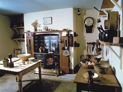 Late Victorian Kitchen (Scullery) with Working Range, Holst's Birthplace