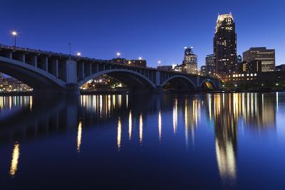 Third Avenue Bridge, Mississippi River, Minneapolis, Minnesota, USA