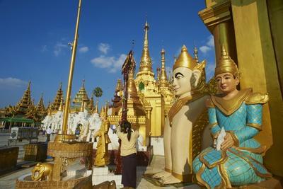 Shwedagon Paya, Yangon (Rangoon), Myanmar (Burma), Asia