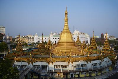 Sule Paya, Yangon (Rangoon), Myanmar (Burma), Asia