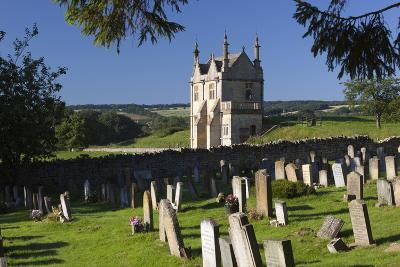 Churchyard of St. James and Jacobean Lodge
