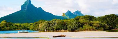 Rempart and Mamelles Peaks, Tamarin Bay, Mauritius Island, Mauritius