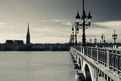 Pont De Pierre Bridge across Garonne River, Bordeaux, Gironde, Aquitaine, France