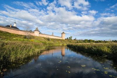 Kamenka River and the Kremlin, UNESCO World Heritage Site, Suzdal, Golden Ring, Russia, Europe