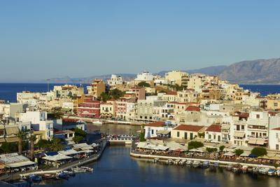 Voulismeni Lake and Port, Aghios Nikolaos, Crete, Greek Islands, Greece, Europe