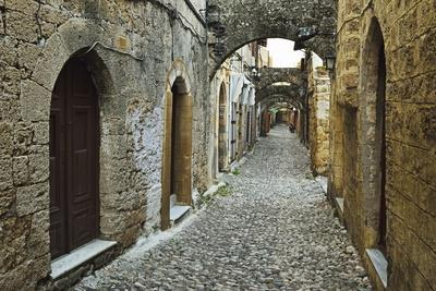 Scene from the Old Town, Rhodes City, Rhodes, Dodecanese, Greek Islands, Greece, Europe