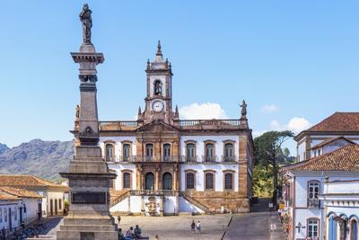 Tiradentes Plaza and Da Inconfidencia Museum