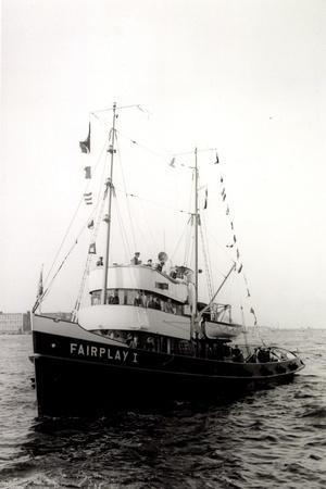 Foto Fährschiff Fairplay 1 Bei Der Ankunft Im Hafen
