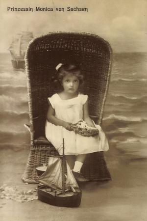 Prinzessin Monica V Sachsen Im Korb, Muschel, Schiff