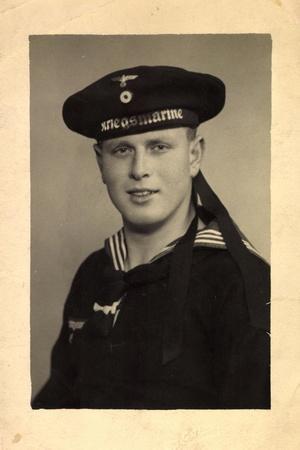Foto Kriegsmarine, Wehrmacht, Uniform, Mütze