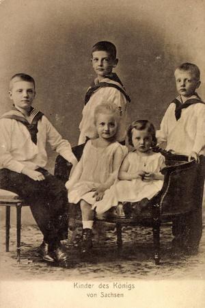 Die Kinder Des Königs Von Sachsen, Anzüge, Kleider