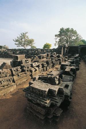 India, Madhya Pradesh, Sanchi, Ruins of Buddhist Monastery, 9th Century
