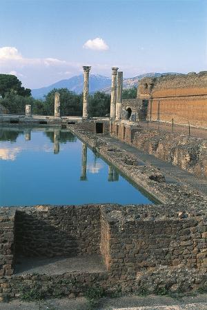 Italy, Latium, Tivoli, Hadrian's Villa, Nymphaeum