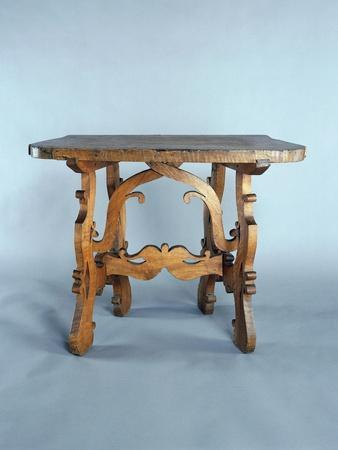 Solid Walnut Table with Lyre-Shaped Legs, Italy, 16th-17th Century, Detail