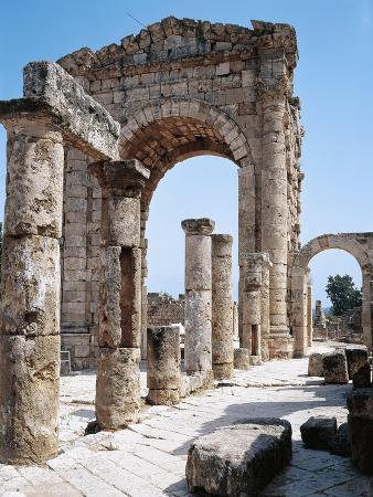 Lebanon, Tyre, Ruins of Old City of Tyre, Triumphal Arch