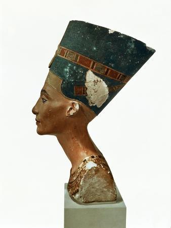 Bust of Queen Nefertiti