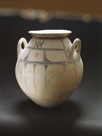 Monochrome Earthenware Pot Decorated with Geometric Patterns
