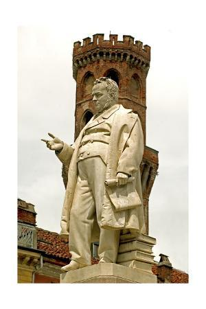 Italy, Piedmont, Vercelli, Monument to Count Camillo Benso Di Cavour, Angel Tower
