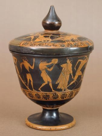 Pyxis with Athletes
