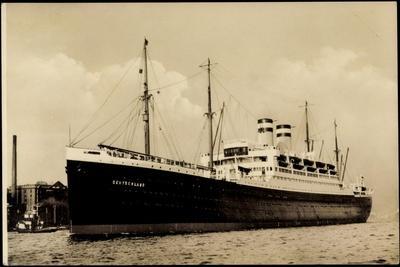Foto Hapag, Dampfschiff Deutschland Am Hafen