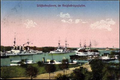 Wilhelmshafen Nieders., Reichskriegshafen, Schiffe