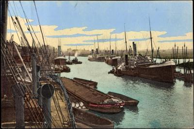 Hamburg, Blick Zum Ellernholzhafen, Schiffe, Frachter