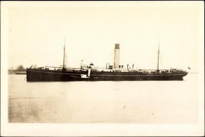 Blick Auf Ein Dampfschiff Nahe Der Küste, Gnamaré
