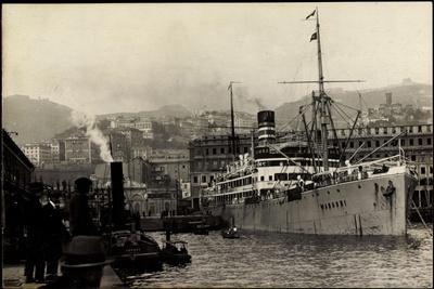 Foto Doal, Dampfschiff Wangoni Vor Anker,Hafen,Stadt