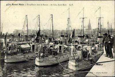 Kriegsschiffe Im Hafen Von Saint Malo