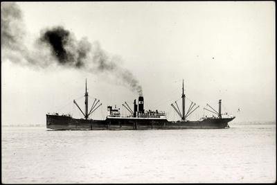 Foto Deutsches Dampfschiff, Außenansicht, Dampf